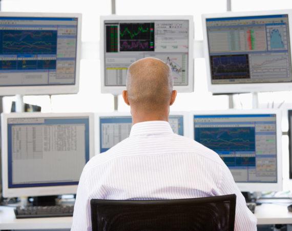 Overvejer du at investere i aktier? Derfor skal du kende til de nye ETF-regler